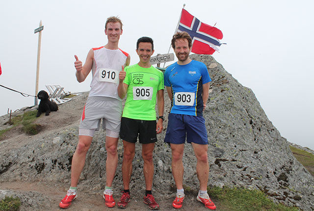 Sigerspallen i herreklassen. Frå venstre Mats Mollandsøy (nr. 3), Andreas Søfteland nr 1. og Ørjan Nilsen (nr. 2).