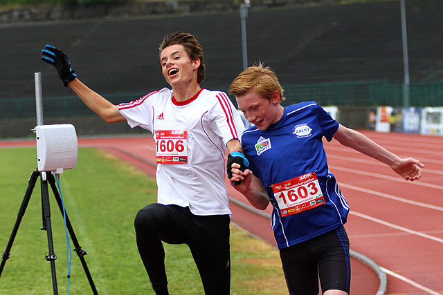 Hans-Magnus Haukøy og André Seliussen går samtidig i mål.