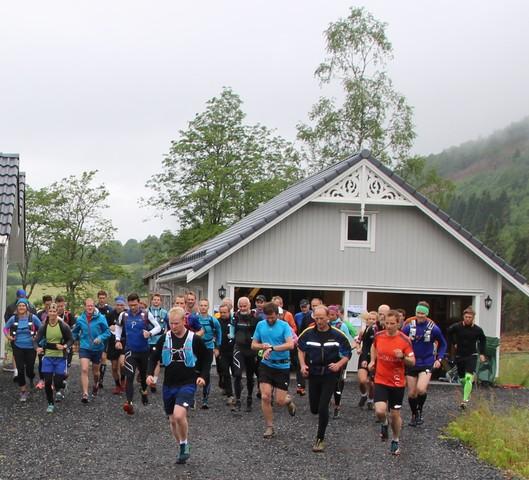 Frå starten av Ørsta fjellmaraton 2016..jpg