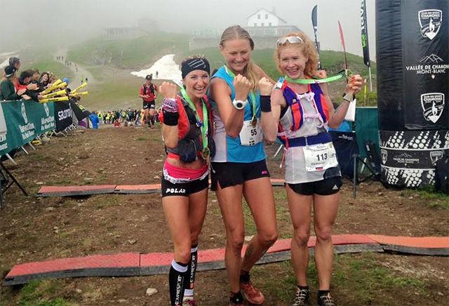 Svenske Ida Nilsson (midten) vant foran Amandine Ferrato fra Frankrike (til venstre) og Ekaterina Mityaeva fra Russland. (Foto: arrangøren)