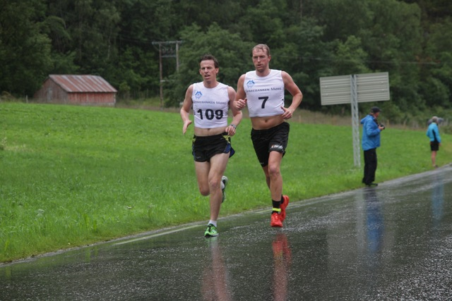 1km_Knut_Anders_Hatlen_and_Hans_Kristian_Stadheim