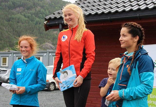 Pallen for damer: Nr. 1 Kjersti Fresvik, nr. 2 Tori Angell og nr. 3 Katrine Sør-Eide.