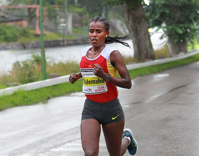 Løyperekord: Etiopiske Etalemahu Zeleke Habtewold forbedret Grete Kirkeberg Mørks 24 år gamle rekord med 12 sekunder. (Foto: Kjell Vigestad)