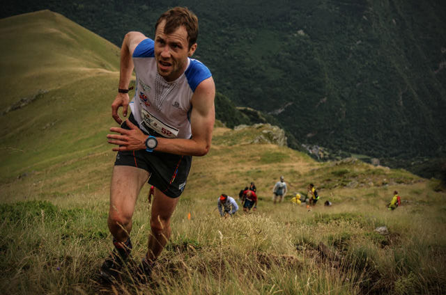 Verdensmester Stian ANgermund-Vik opp den stupbratte løypa. Foto: Philipp Reiter