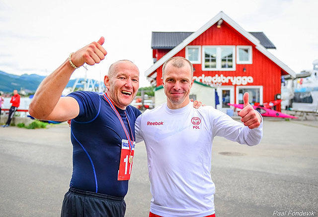 Damien Smelter og Btaiej Stankiewicz vant henholdsvis Maraton og halvmaraton i Stokmarknes i den 29.utgaven av Hadsel Maraton. Foto: Paal Fondevik