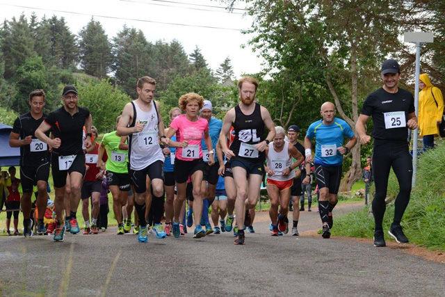 Starten har gått for det femte Møkster Maraton. Foto: Ådne Thomassen