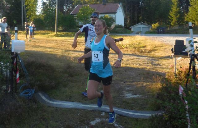 Christine Nystuen gjorde et nytt godt løp og ble beste dame i Finnskogløpet. (Foto: Jan Høiden)