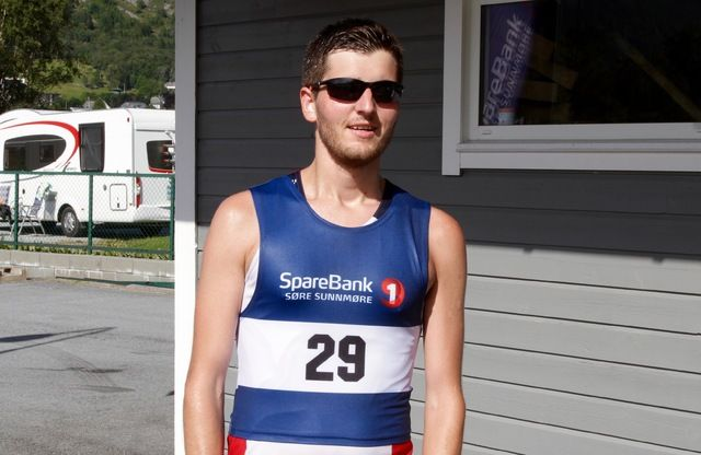 Joachim Tranvåg, Rindal IL ferierer på hjemmelige trakter og brukte nest siste fridagen til å vinne halvmaraton under Nordvest Maraton på Hareid