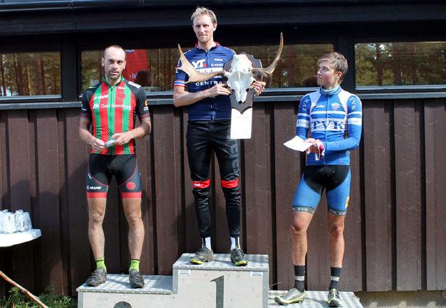 De tre beste i menn elite i Elgtråkket 2016 (fra v.): Fredrik Lysakerrud, Ole Christian Fagerli og Kristian Klevgård. (Foto: Kjersti Aas)