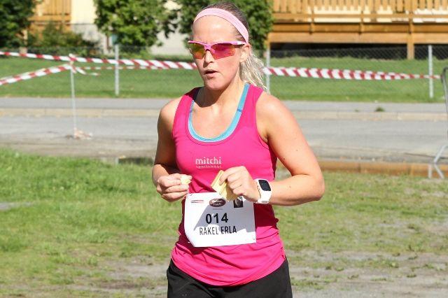 Rakel Erla Sævarsdottir var med i fjor og løper Ringerike 6-timers også i år. (Foto: Olav Engen)