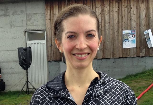 Annie Bersagel kunne smile blidt etter å ha vunni Førde Opp på ny løyperekord. (Foto: Stig Roger Eide)