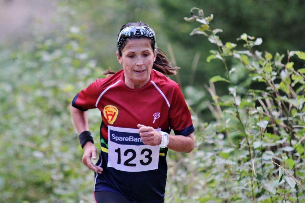 Ann Heidi Scharning i fjorårets løp rundt Dragsjøen (foto: Olav Engen).