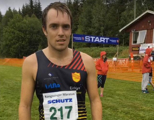 Morten Buchholdt etter sin sterke halvmaraton på Kongsvinger i år der han ble 4. mann på 1.21.18. (Foto: Bjørn Buchholdt)