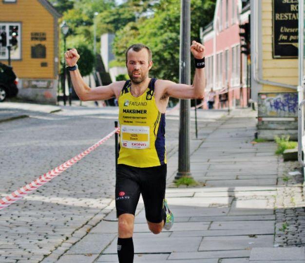 Svein Ove Risa vant enkel 10000m på Lye. Bildet er fra Stavanger halvmaraton. Foto: Thomas Hetland.