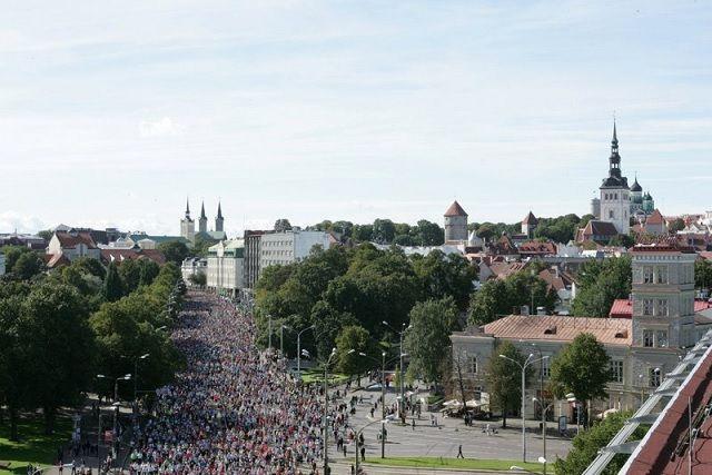 Fra Tallinn Marathon som i år gikk under gode løpsforhold med delvis skyet vær og 10-15 grader (Foto: SEB Tallinn Marathon)