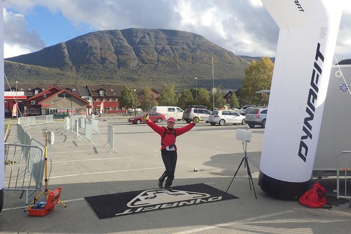 Glede: Det var moro å løpe i mål selv om jeg var helt alene på oppløpet under Trollheimen Fjellmaraton (foto: Morten Eirik Engelsjord).