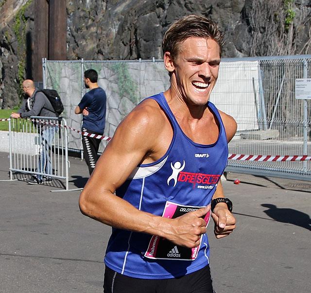 Halvmaraton8km_Trippeloeper_Haakonsen_4S7A9964.jpg