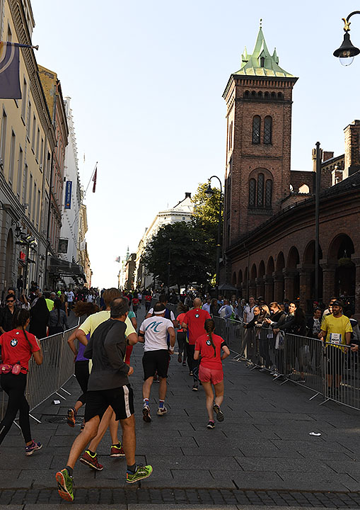 halvmaraton-karl-johan_D5N4175.jpg