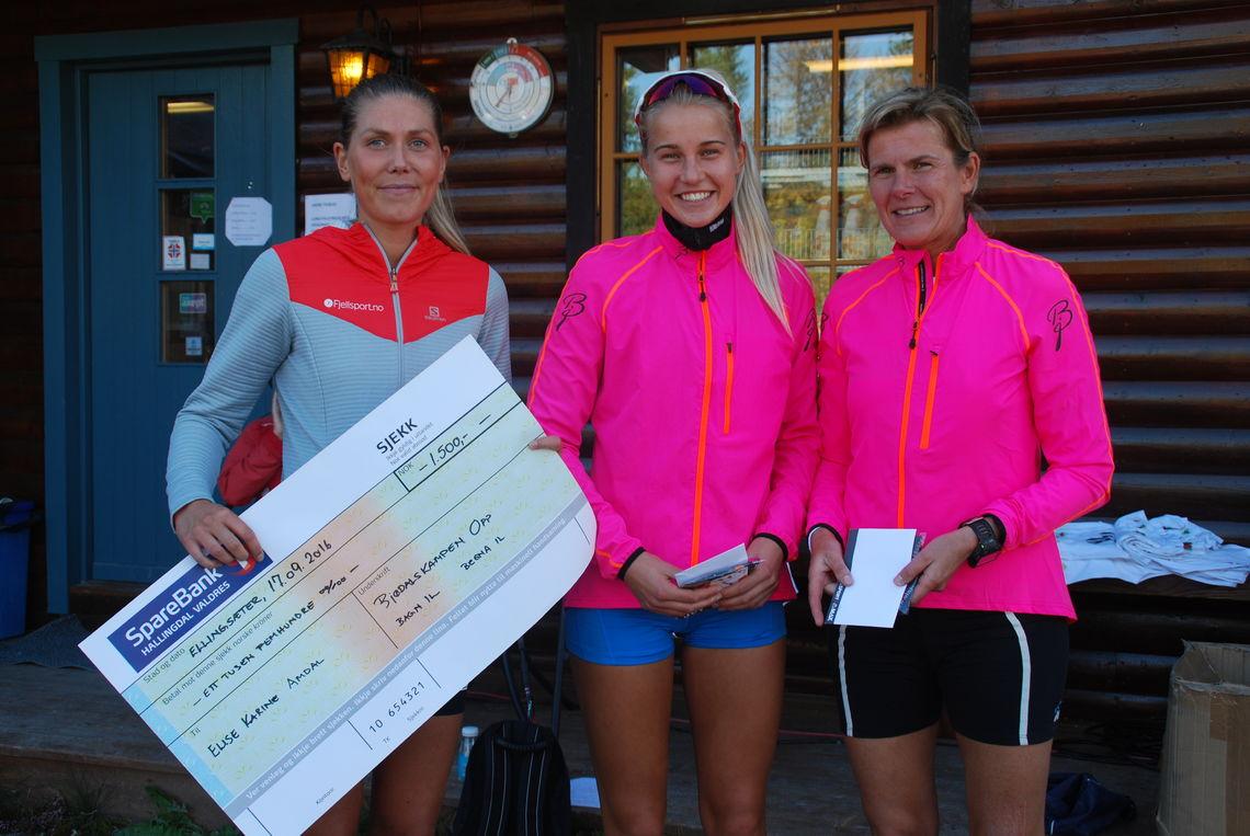 Topp 3 i kvinneklassen (foto: Anne Dyve).