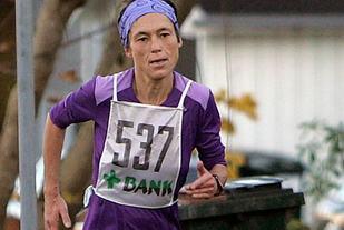 Maratonvinneren Inger Dagny Saanum avbildet i Hålandsheia Opp i 2013. (Foto: Marianne Røhme)