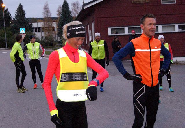 Fjorårsesongens første vinnere i Snøkuten, Marthe Katrine Myhre og Gard Ringstad, gjør seg klar til start. (Foto: Stein Arne Negård)
