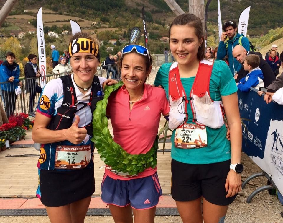 De tre beste kvinnene i Grand Trail des Templiers (foto: Biel Ràfols, Salomon Running).