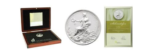 Diplom, mynt og etui