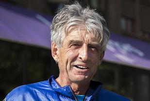 Den amerikanske løperlegenden Frank Shorter da han besøkte Oslo Maraton i 2014. (Foto: Bjørn Johannessen)