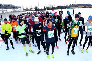 Fra start halvmaraton i fjorårets løp. (Foto: Bjørn Hytjanstorp)