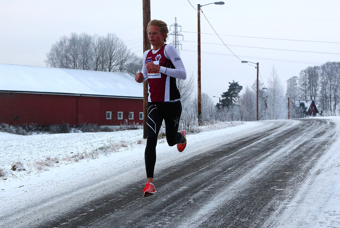 Ole-Petter Fjeld i klar ledelse fra start til mål lørdag. (Foto: Bjørn Hytjanstorp)