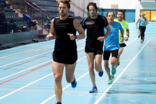Full fart på onsdagens trening i Stangehallen for Rune Thomassen, Tor Øyvind Frøen, Rolf Bakken og Thomas Pedersen (Foto: Arild Dahl)