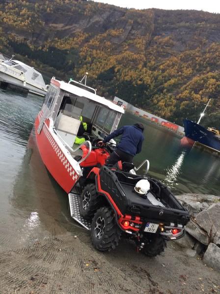 S3 båt ombordkjøring av ATV.jpg