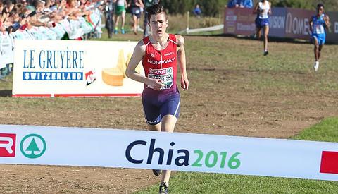 Jakob Ingebrigtsen tok gull i juniorklassen i fjor og kan fort gå hen å gjøre det samme i år. (Foto: Kjell Vigestad)