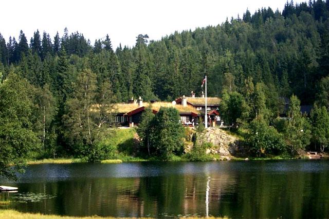 tryvannstua_sommer_foto_Oslo_kommune_640.jpg