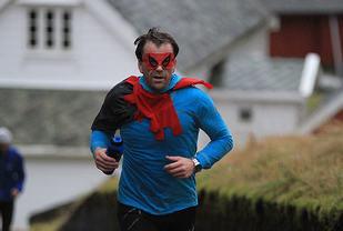 Spidermann var med på løpet i 2016. Kondis tror hans hemmelige identitet er Jim Kaland. Foto Arne Dag Myking