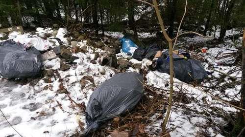 Avfall ved Myrdammen februar 2017
