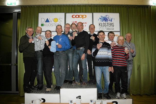 Blide norske karer på toppen av pallen i klasse M8 (fra v.): Jarle Thonstad, Erik Johansen, Olaf Knai og Einar Bertrand Vikingstad. (Arrangørfoto)