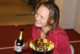 Maria Jansson har grunn til å feire etter at hun er blitt kåra til årets utøver av Det internasjonale ultraforbundet. (Foto: Olav Engen)
