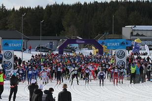 207 lag ut fra start i StafettBirken, som i år hadde både start og mål på Birkebeineren Skistadion.