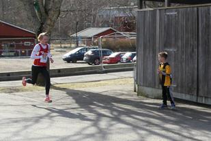 Ole-Petter Fjeld løp i ensom majestet fra start til mål. (Foto: Elisabeth Kalseth)