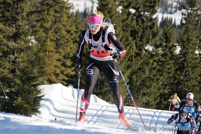 Marthe Kristine Hafsahl Karset, Vang Skiløperforening og Team Parkettpartner på full fart opp Kvarstadlia og inn til 3.02.39 lørdag. (Foto: Stein Arne Negård)