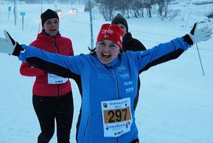 May Liss Walsmuth storkoser seg i det herlige været! Foto: Trond Arne Liavik