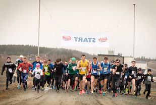 Starten på det rekordstore feltet i Frostatingløpet i 2017. (Foto: Øystein Lie)