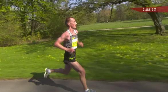 Sondre Norstad Moen etter 2 timers løping i Hannover Marathon