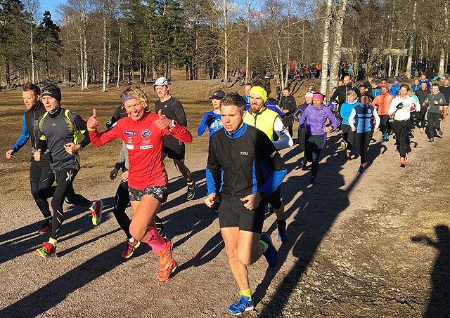 Meike Espen og Siri tre SRM-veteraner som stilte i det aller første Sognsvann Rundt Medsols i år. Foto: Torbjørn Eika