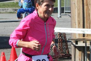 Med 1.48.07 fra Fevik halvmaraton i april har Vera Nystad sammen med Nina Wavik Ytterstad, som løp CPC Loop i Den Haag på 1.25.31, de beste løpene på halvmaraton så langt i år ifølge Veterantabellene (Foto: Kjersti Skeie Bruborg).