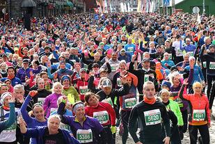 Fra oppvarmingen før Bergen City Marathon i 2017
