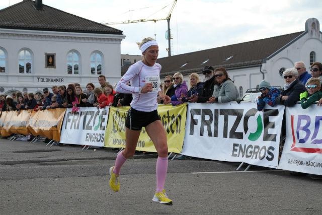 Gunhild Halle Haugen i ensom majestet mot mål i årets Larviksløp