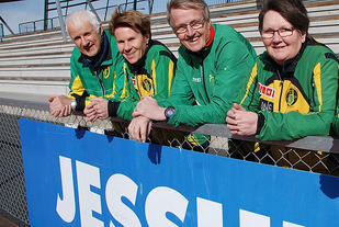"""""""Jessheim – midt i Norge"""" er slagordet for de som nå skal gjenskape Norgesløpet, anført av disse fire sentrale skikkelsene. Fra venstre: Nils Kristen Wiig, Agneta Roth, Ivar Egeberg og Bodil Anthi Svinø"""