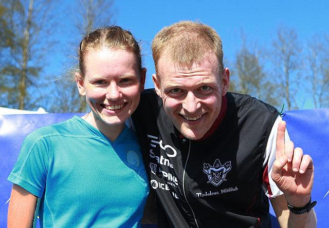 Årets vinnere i Råskinnet Karoline Holsen Kyte, Førde og Anders Nordberg, Nydalens Skiklubb. Foto: Kjell Vigestad